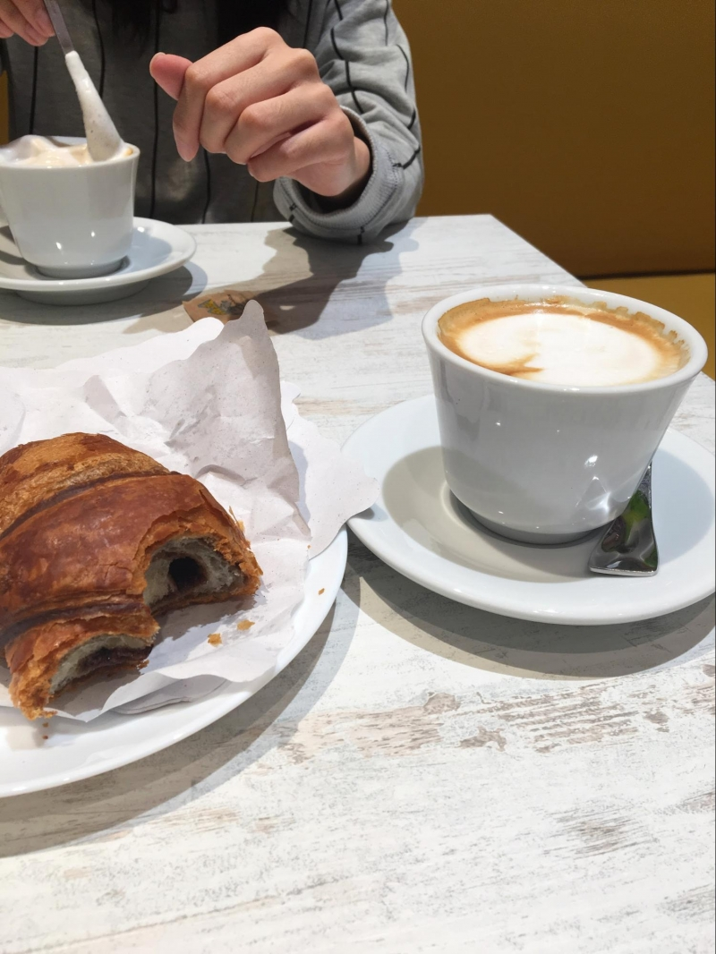 florence: cornetto and cappuccino