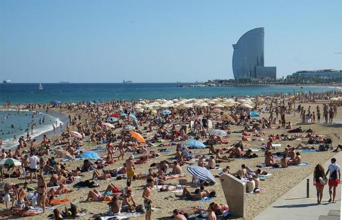 barcelona crowds