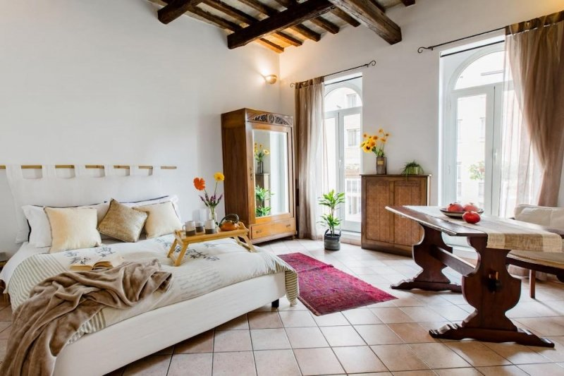 Airbnb near the Colosseum in Rome