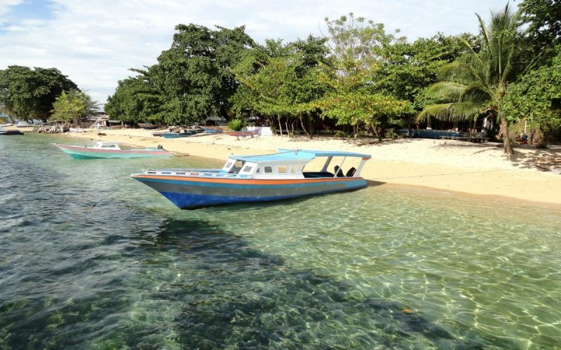 Bãi biển Indonesia
