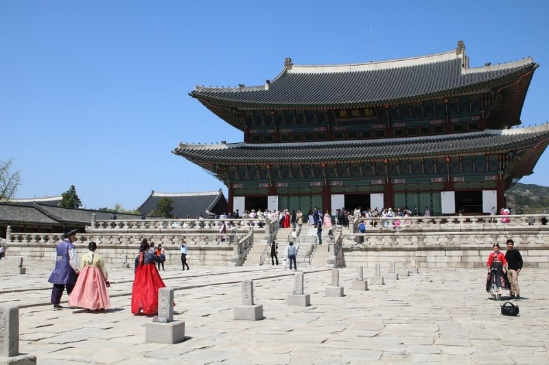 Gyeongbokgung Palace to add in your 4 days Korea itinerary