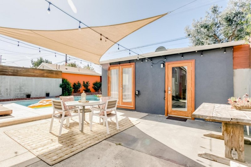 airbnb in los angeles with pool