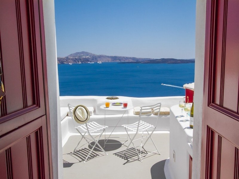 14 Best Airbnb Homes in the Greek Islands