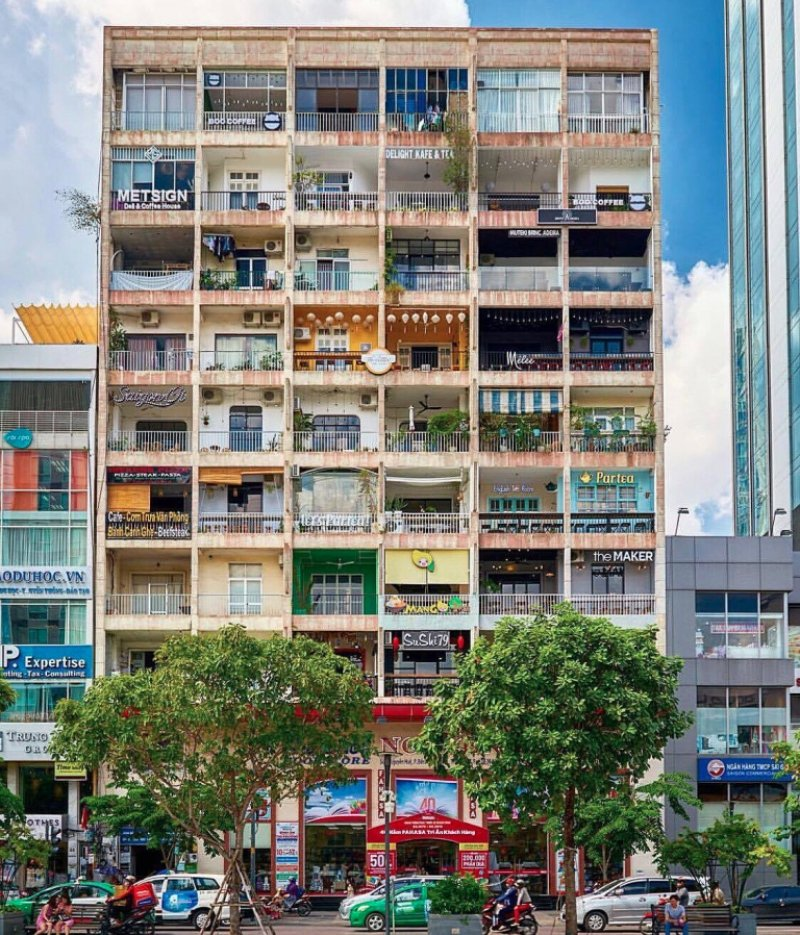 42 Nguyen Hue Street,
