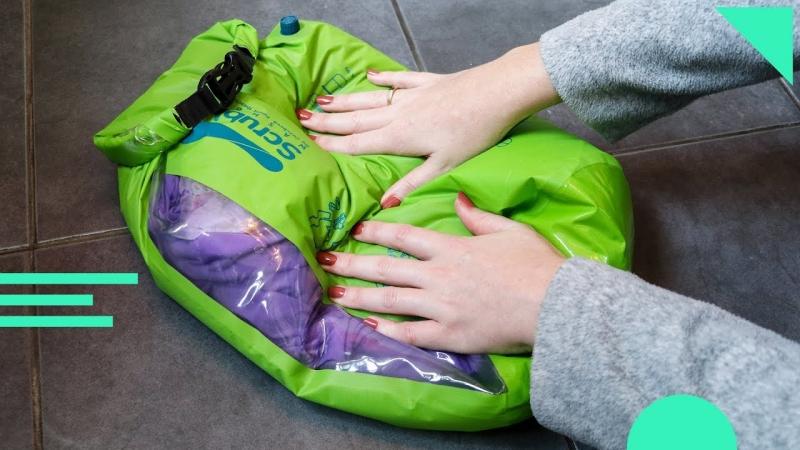 travel gadgets: pocket-size wash bag