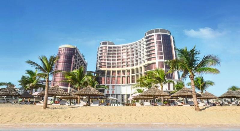 Holiday Beach Da Nang Hotel & Resort