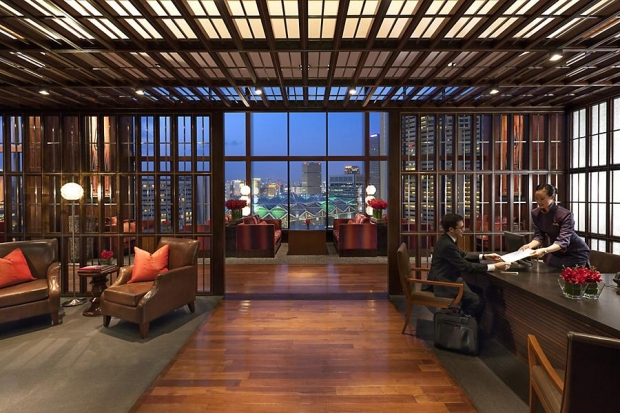 Suite Arrivals at Mandarin Oriental Singapore with Rooms from SGD350