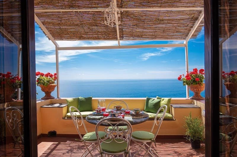 Airbnb in Positano