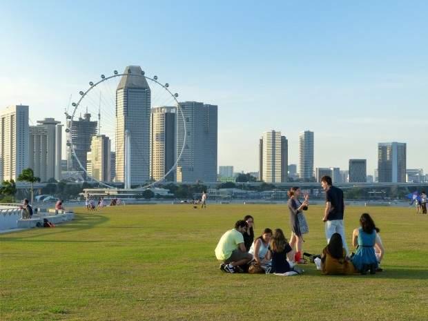 10 fabulous picnic spots in singapore families sso gardens by the bay