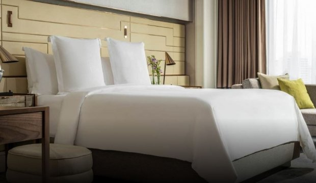 Weekend Bed & Breakfast with 18% Savings in Four Seasons Hotel Singapore
