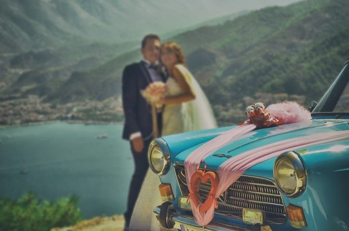 Travel Related Pre Nuptial Photoshoot Ideas