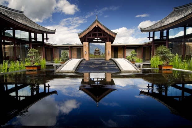 Complimentary 2 nights stay at AccorHotels and Banyan Tree properties in Asia Pacific with HSBC Card