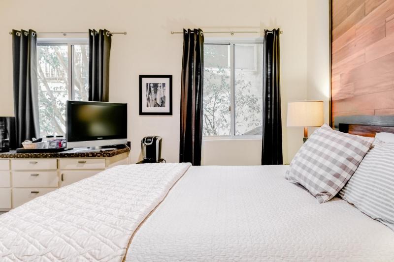 airbnb in hollywood los angeles