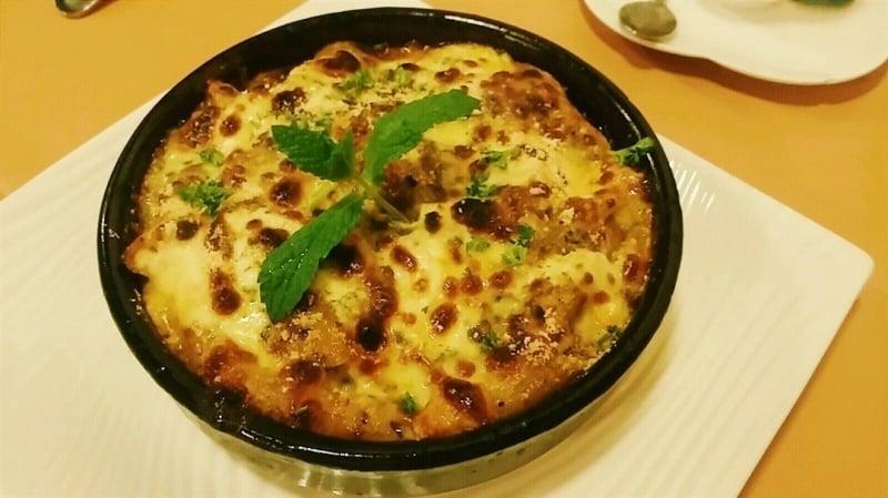 Hyatti Restaurant Hong Kong