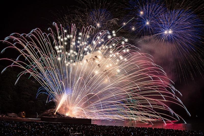fireworks show at kumano fireworks festival