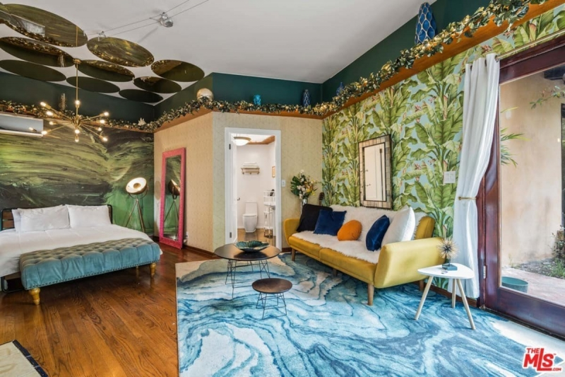 airbnb in los angeles with tropical vibes