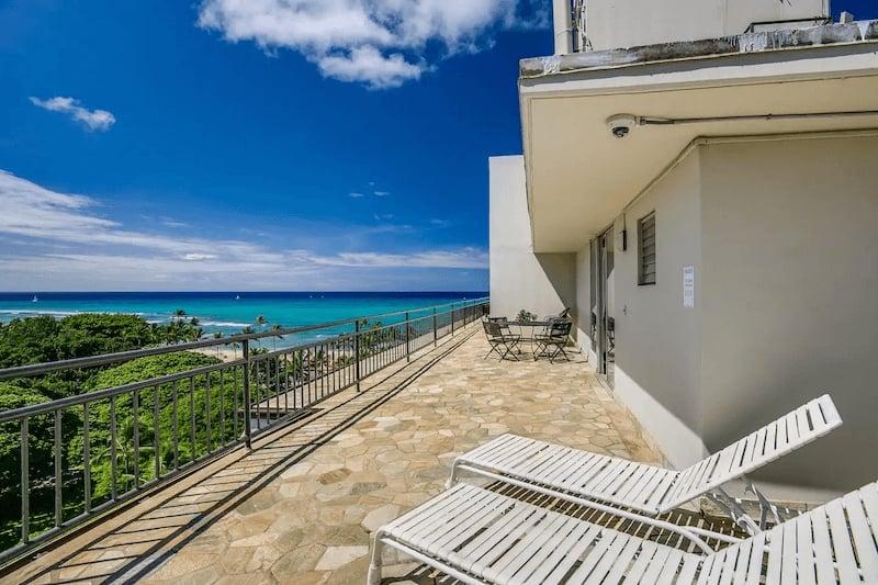 Beach House Airbnb in Waikiki