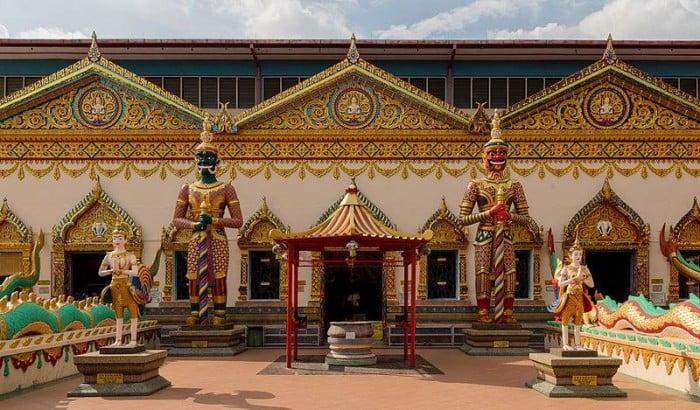 Chơi Gì Ở Penang: tượng phật nằm