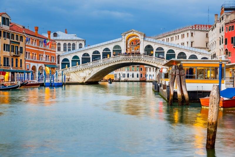 famous bridges in the world: rialto