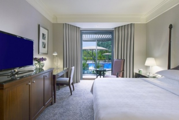 Enjoy a 2D1N Staycation in Sheraton Towers Singapore with HSBC
