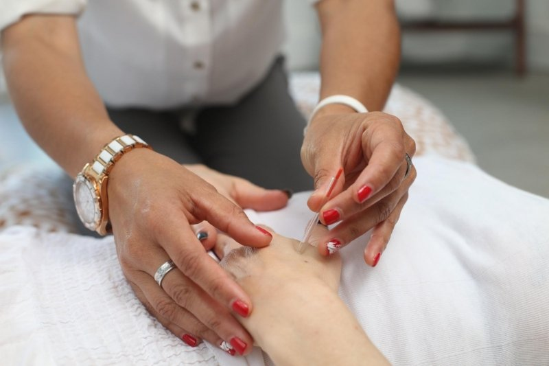 things to do in the philippines: get a manicure