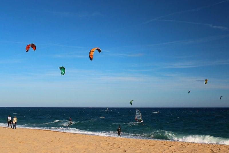 Chơi gì ở Jeju - Lướt ván diều