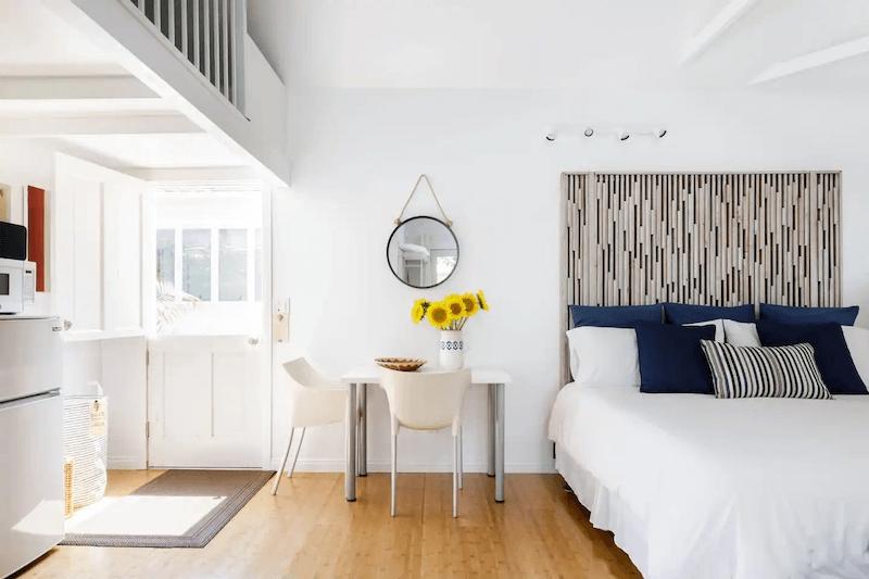 Romantic Cottage Near Santa Monica Beach and Venice Beach