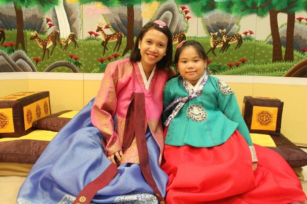 hanbok in korea budget travel guide