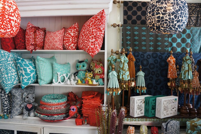 Shopping in bali 4 colourful boutiques homeware shops for Home decor online shopping usa