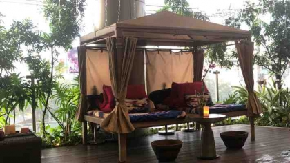 Better Two-gether Cabana Couple Massage