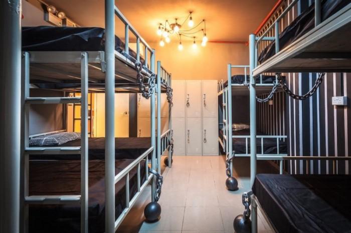 hostel singapore
