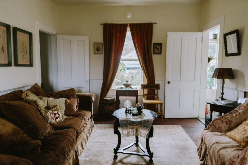 airbnbs that were featured in movies: house from murder, she wrote