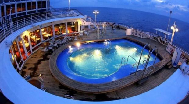Senior Cruises Free with SuperStar Gemini Star Cruises