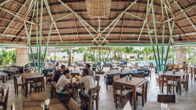 restaurants in siargao: bravo resort