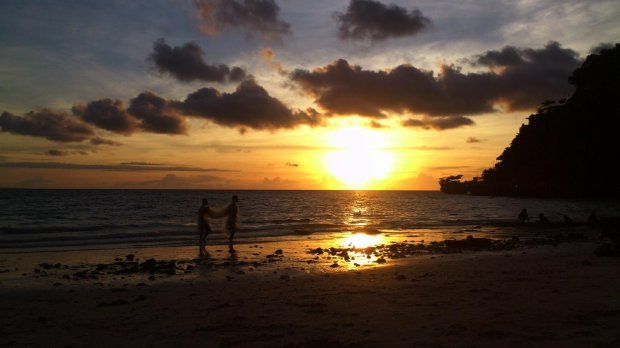 Local Tips Best Spots In Boracay To Catch Sunrise And Sunset