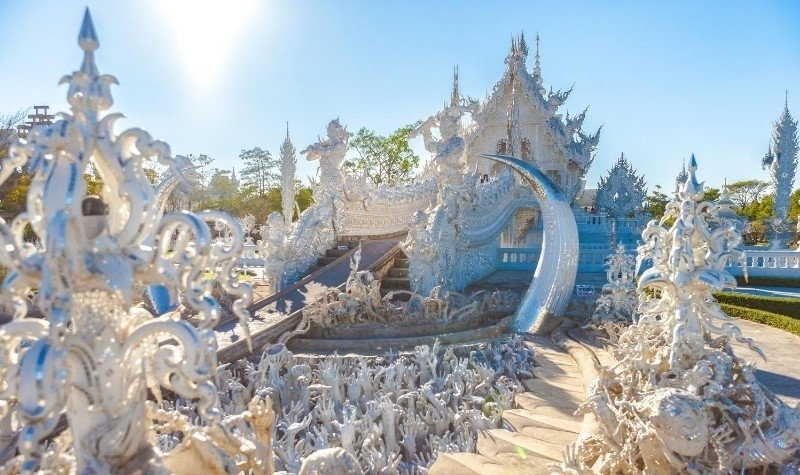 Temples in Southeast Asia: Wat Rong Khun