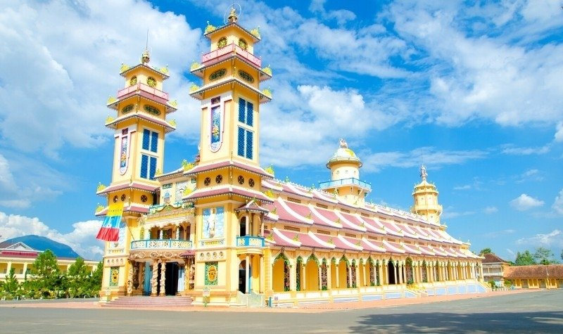 Temples in Southeast Asia: Cao Dai Temple