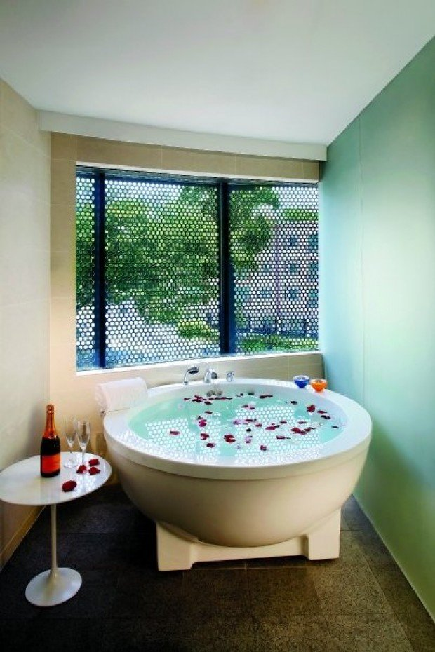 staycation ideas: 10 hotels in singapore with bubblicious bathtubs