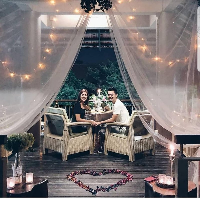8 Halal Restaurants for Romantic Night Out in Singapore