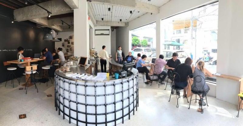 cafes in poblacion