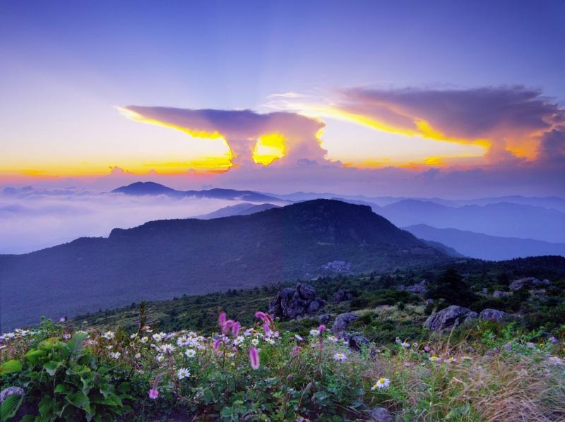 Jirisan National Park Jangteomok Shelter nature parks south korea
