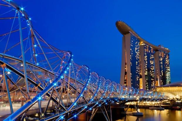 singapore bridges helix