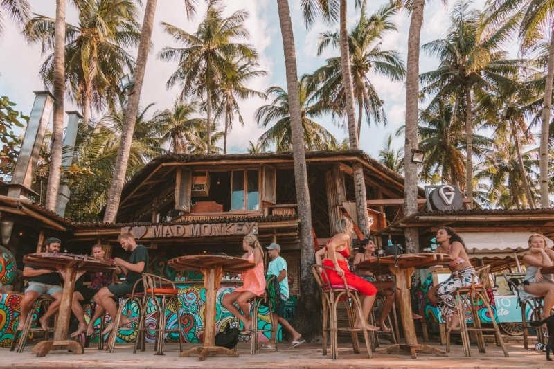 restaurants in el nido: mad monkey