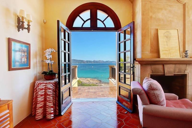 10 Best Airbnb Homes in Spain: Beachfront Villa