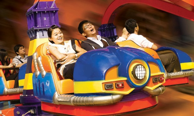 Enjoy 15% Off Admission Ticket in Berjaya Times Square Theme Park with Maybank