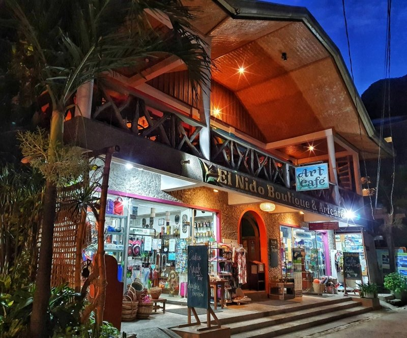 restaurants in el nido: art cafe