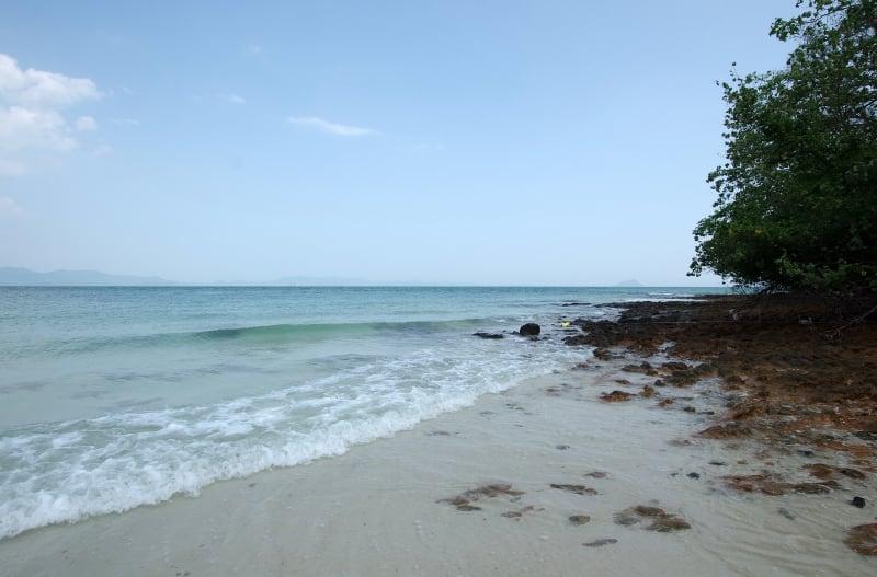 koh lon quiet islands in phuket