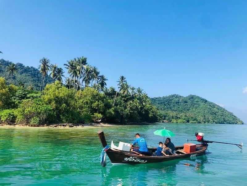 quiet islands in phuket