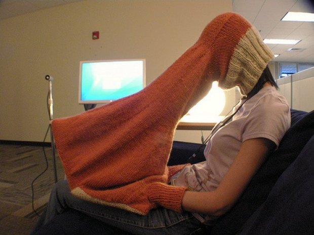 Laptop snood-hood