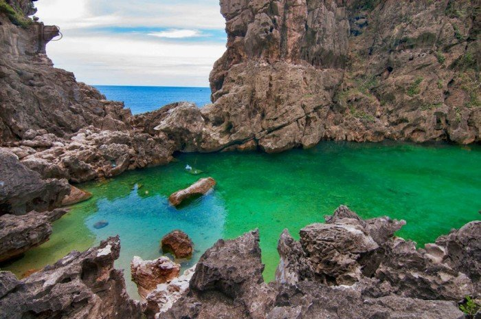 Tangke salt water lagoon